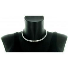 Collier ras de cou métal argenté semi-rigide