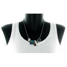 Collier métal argenté et cercles métal incrustation strass noirs et résine turquoise et marine