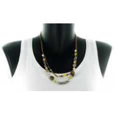 Collier double rang chaine métal moutarde et taupe pampilles métal argenté et perles moutardes et marrons