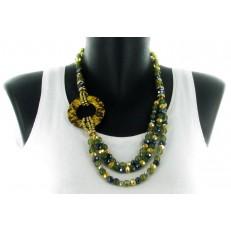 Collier asymétrique de perles vertes et moutarde cercle léopard imitation cuir