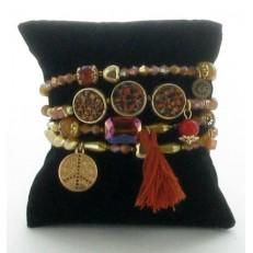 Bracelet elastiqué quatre rangs à pampilles et pompon