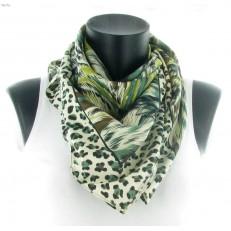 Carré léopard vert et feuillage