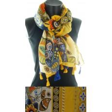 Foulard à dominance jaune et pompons jaune et bleus