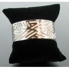 Bracelet demi-jonc en imitation cuir rose poudré et métal argenté (grande largeur)