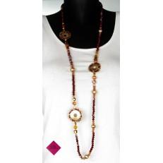 Collier de perles et cercles dorés rouges