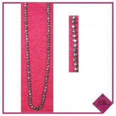 Collier de perles vert sapin